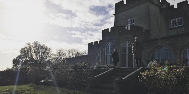 Il castello di Happy New Year, Colin Burstead