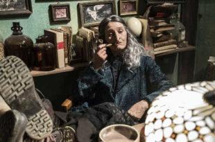 Paola Cortellesi in La befana vien di notte