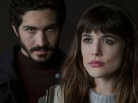 Adriana Ugarte e Chino Darín in Durante la tormenta