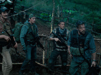 Ben Affleck, Garrett Hedlund, Pedro Pascal e Charlie Hunnam in Triple frontier