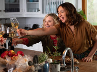 Amy Poehler e Maya Rudolph in Wine Country