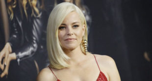 Elizabeth Banks in Mrs America