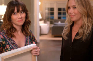 Linda Cardellini e Christina Applegate in Dead to Me 2